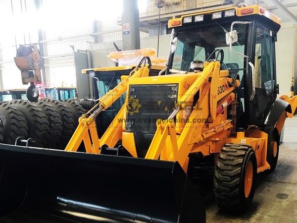 CHANGLIN Backhoe Loader